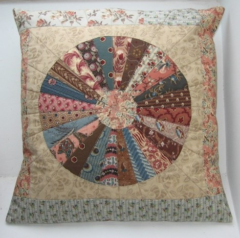 coussin wheel of chance1